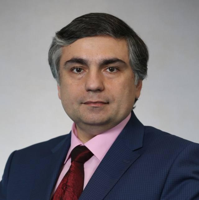 Министр  образования и науки Самарской области Виктор Акопьян