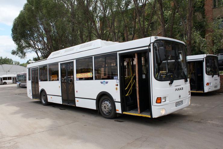Автобус на улице в Самаре