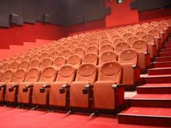 В Самаре нет проблем с количеством кинотеатров, есть проблема с их качеством и дилеммой - какой же из них...