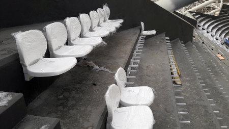 Настадионе «Самара Арена» приступили кустановке зрительских кресел